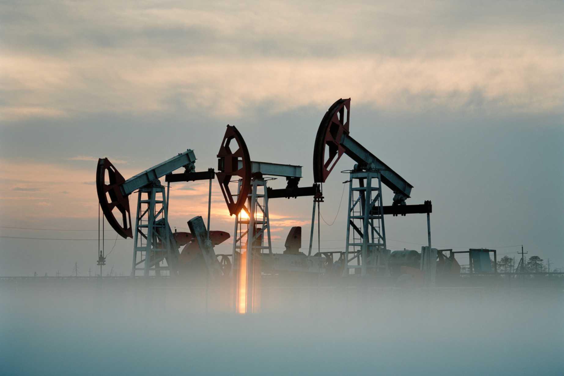 Crude Oil Price Forecast - Crude Oil Markets Reach Towards Gap Again