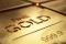 Oro Agitado Después del Empleo y Datos Manufactureros de EEUU