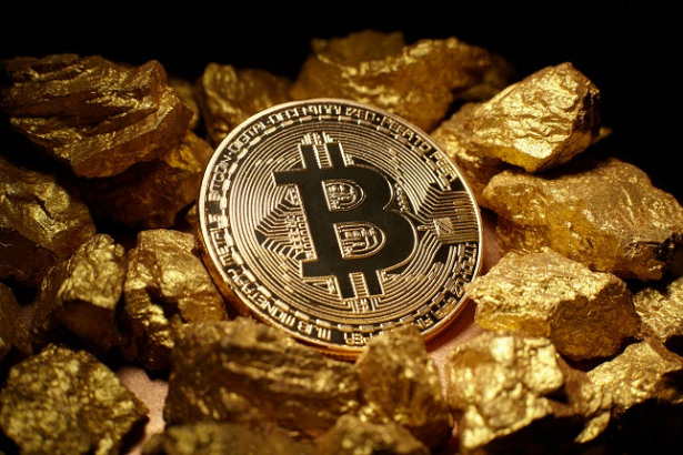 Bitcoin – the New Gold or a Gigantic Bubble that's Going to Explode