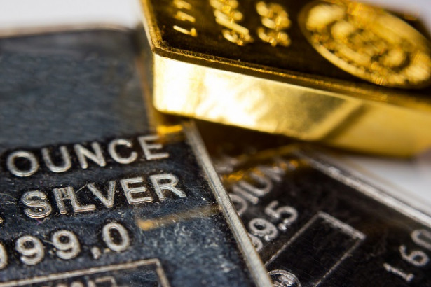 Gold Bounces Back As Dollar Is Down Amid Economic Data