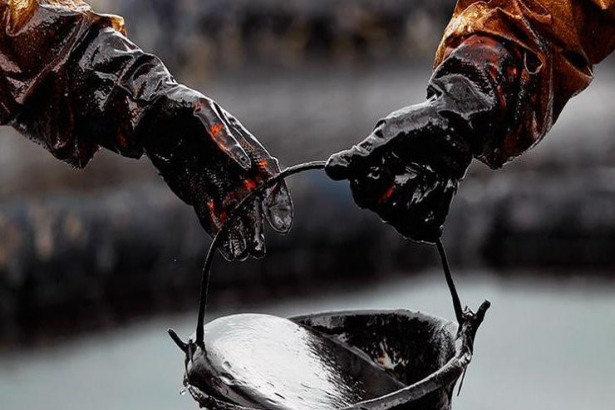 Crude Oil weekly chart, June 17, 2019