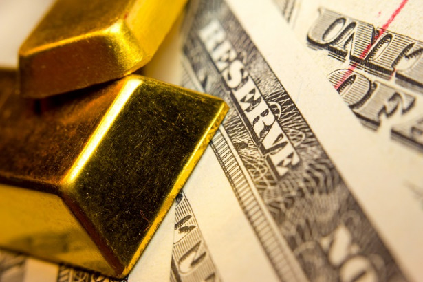 Gold Sideways, Silver positive as Dollar Caps Upside Potential