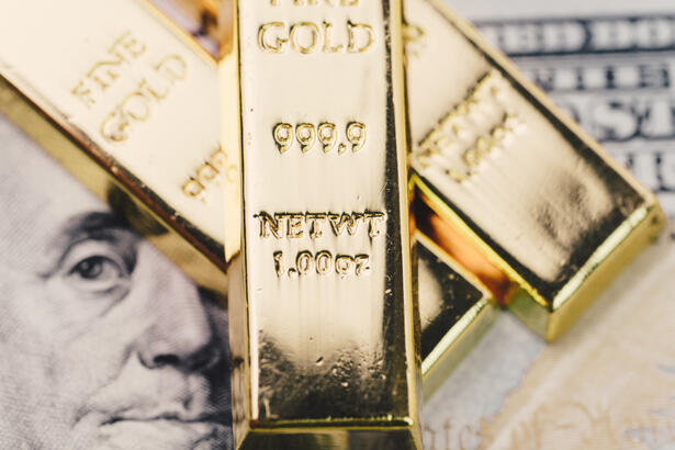 US Dollar and Gold
