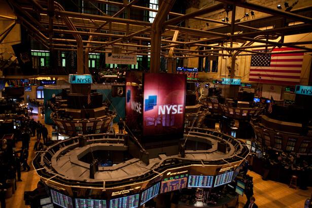 Nasdaq S&P 500 Dow Jones
