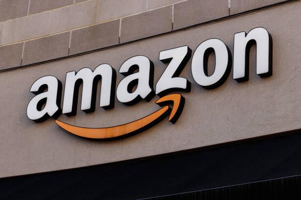 Cincinnati - Circa February 2019: Amazon Store in the U Square. Amazon@Cincinnati is Amazon's first Cincinnati brick-and-mortar store IV