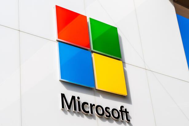 Sep 28, 2019 Palo Alto / CA / USA - Microsoft Logo on the facade