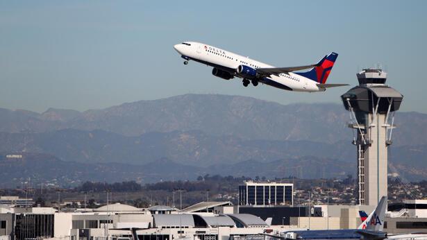 Delta airlines, plane, airport