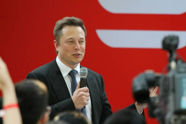 Elon Musk starts delivery of Model S to Chinese customers
