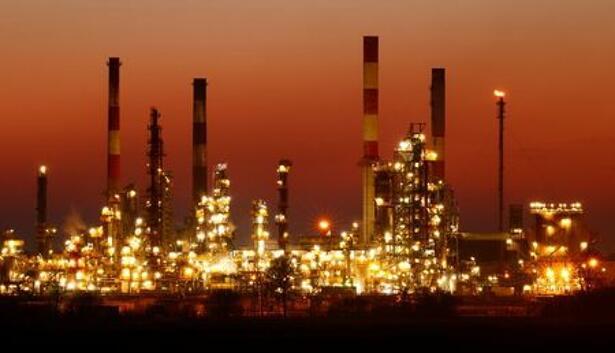 Views of Total Grandpuits oil refinery