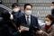 Samsung Group heir Jay Y. Lee arrives at a court