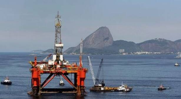 RIO DE JANEIRO (Reuters) - The deadly coronavirus wave that has torn through Brazil in recent weeks has not spared its oil industry, according to unions and government data reviewed by Reuters, with infections among workers jumping and production taking a hit.