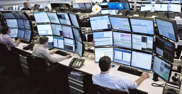 米国株、ダウ史上初の3万5000ドル乗せ 好決算でリスク選好