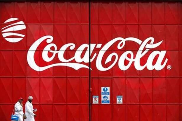 米コカ・コーラ、通期売上高・利益予想を上方修正 飲料需要回復