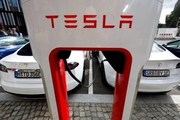 テスラ、エネルギー貯蔵施設を利用した充電施設を中国で初開設