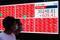 Painel eletrônico com dados do índice Nikkei em Tóquio