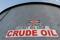 Tanque de armazenamento de petróleo na bacia de Permian, no