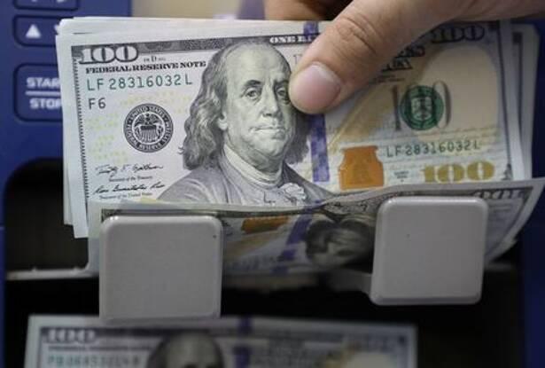Dólar avança pelo 8° pregão consecutivo e flerta com R$5,30