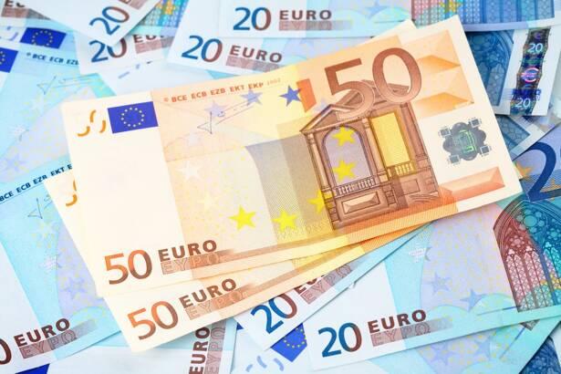 Какая ситуация по валютной паре USD/RUB сегодня?
