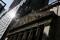 FOTO DE ARCHIVO: La fachada de la Bolsa de Nueva York (NYSE) en Manhattan, Estados Unidos.