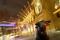 IMAGEN DE ARCHIVO. El toro, símbolo de un mercado alcista, es visto frente a la bolsa de valores de Fráncfort, Alemania