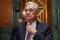Foto del jueves del jefe de la Fed, Jerome Powell, llegando para testificar ante el Senado