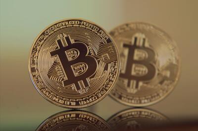 lavoro a domicilio imbustamento depliant investire bitcoin o bitcoin cash