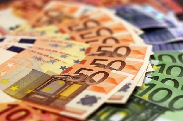 liquidità in eccesso, euro