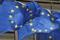 Flaggen der Europäischen Union vor dem Sitz der EU-Kommission,