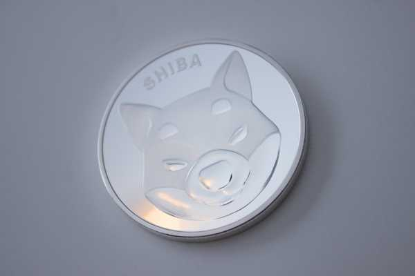 Shiba Inu Moves Higher As Bitcoin Tests Resistance At ,000